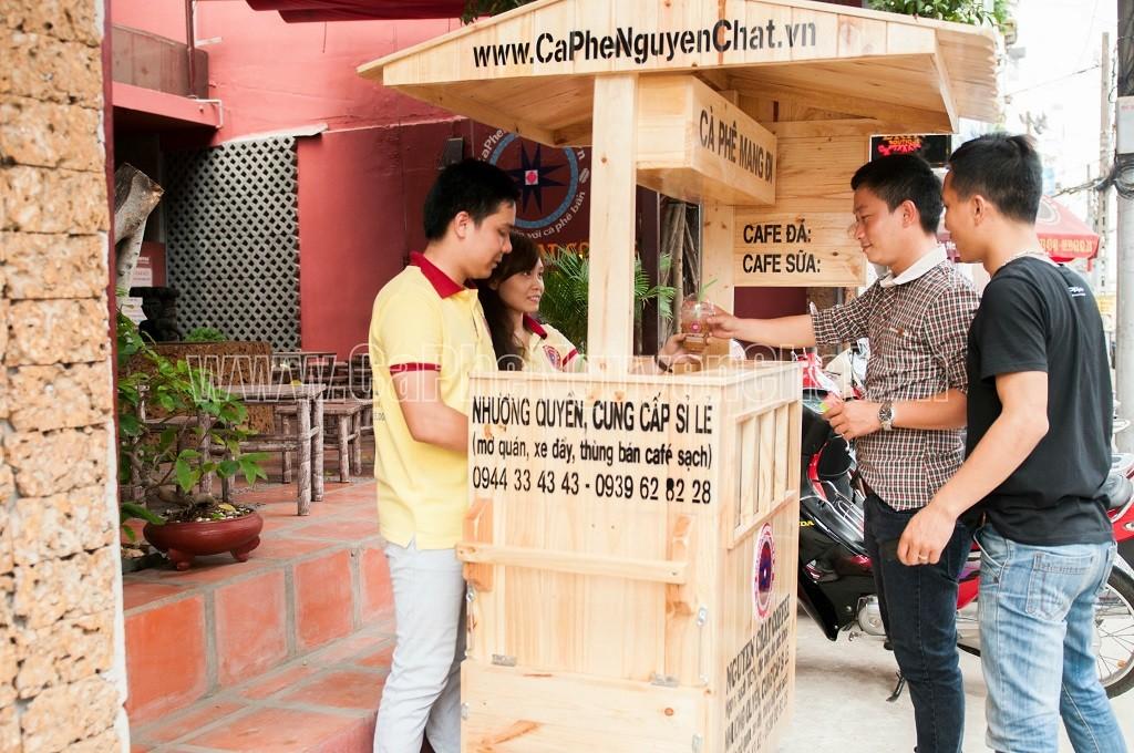 Xe gỗ kinh doanh cafe lưu động